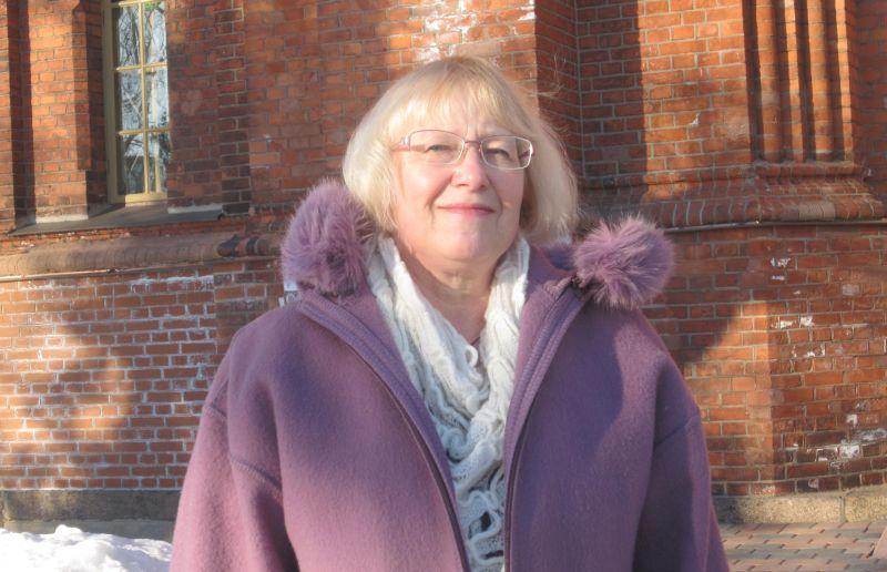 2011. aasta kirikumuusiku tiitliga pärjatud Anneli Klaus on 30 aastat lastele muusikat õpetanud ja kogenud, et muusikal on hea mõju. Ka praegu on tal õpilane, kes usinalt orelit harjutab.  Rita Puidet